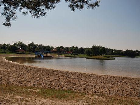 Die Naherholungsanlage Großsander, südliches Ostfriesland, bietet viele verschiedene Freizeitmöglichkeiten an.
