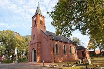 St. Bernhard-Pfarrkirche in Flachsmeer