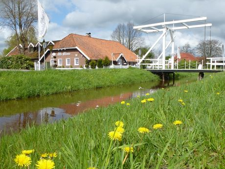 Ems-Jade-Kanal-Radweg