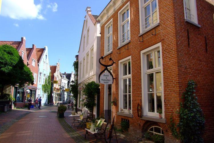 Die Leeraner Altstadt - südliches Ostfriesland - mit ihren aufwändig renovierten Häusern und Fassaden.