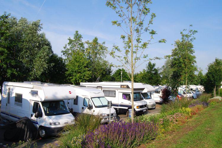 Die Stadt Weener, südliches Ostfriesland, bietet ebenfalls Reisemobilstellplätze an.