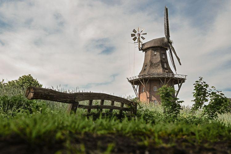 Die Holtlander Mühle ist das Wahrzeichen der Gemeinde Hesel, südliches Ostfriesland